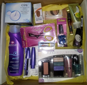 curlsandmo.com - beauty blogger box swap