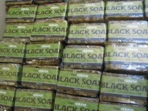 www.curlsandmo.com shea radiance black soap