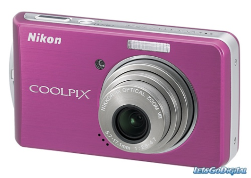 curlsandmo.com - coolpix camera