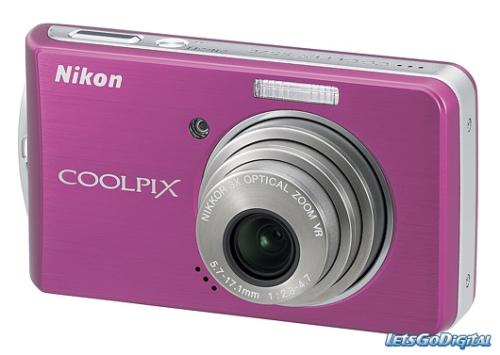 curlsandmo.com - coolpix camera